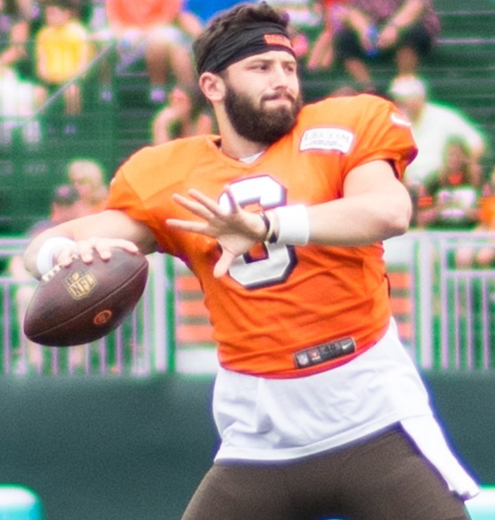 800px-Baker_Mayfield_training_camp_2018_(2)_(cropped)