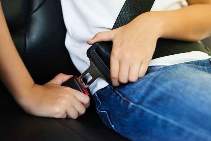 person locking seat belt